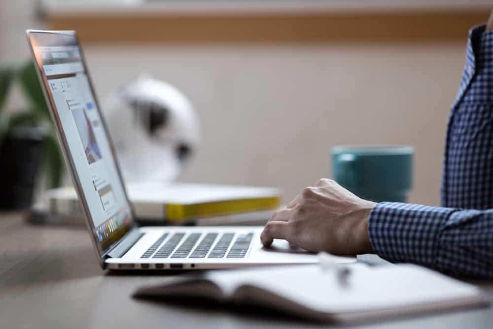man applying for online title loan